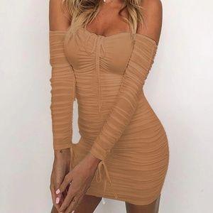 NWOT Off Shoulder Long Sleeve Bodycon Dress L